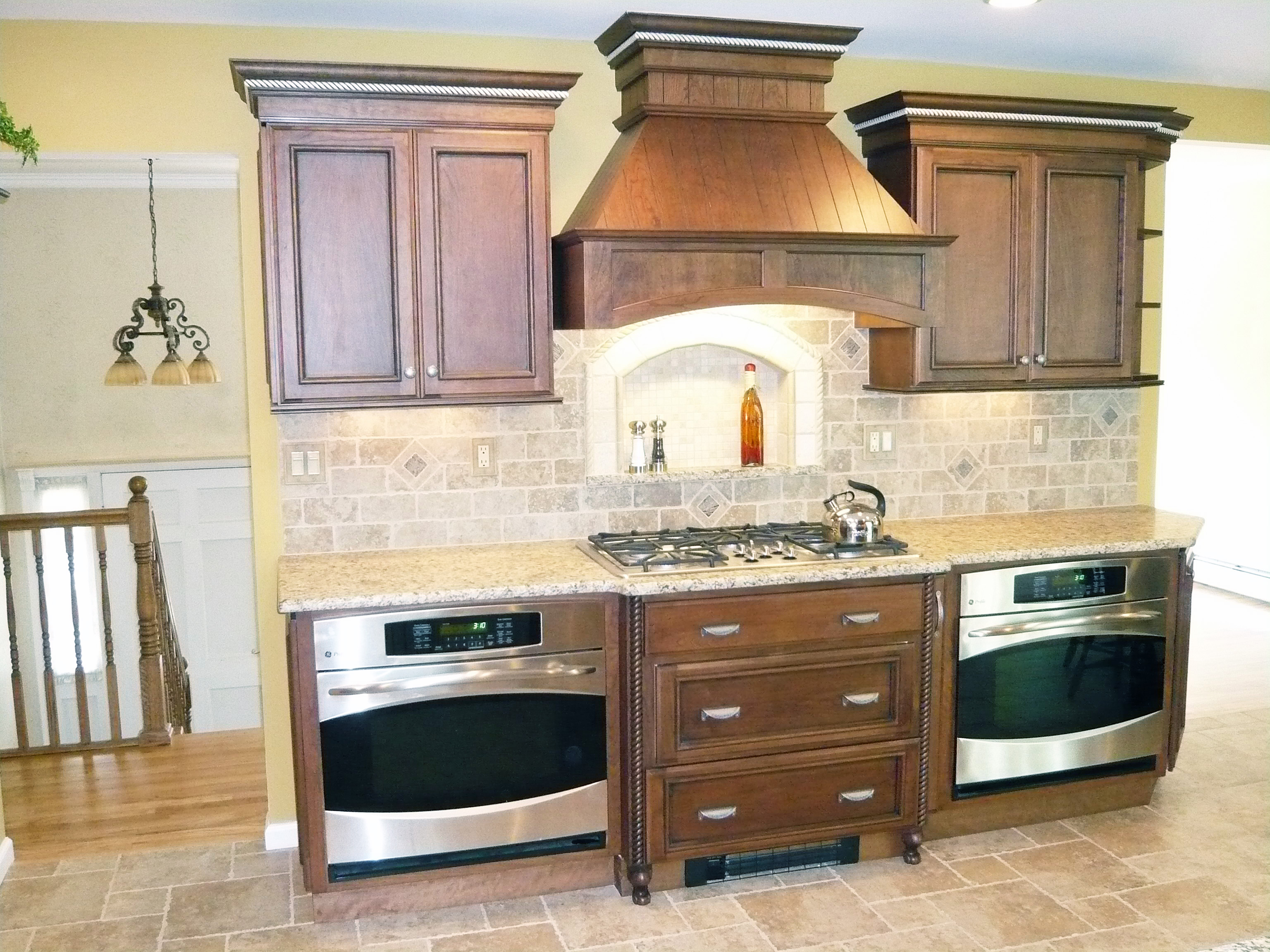 Countertop Double Oven : Double Ovens without Sacrificing Countertop space Kitchen Design ...